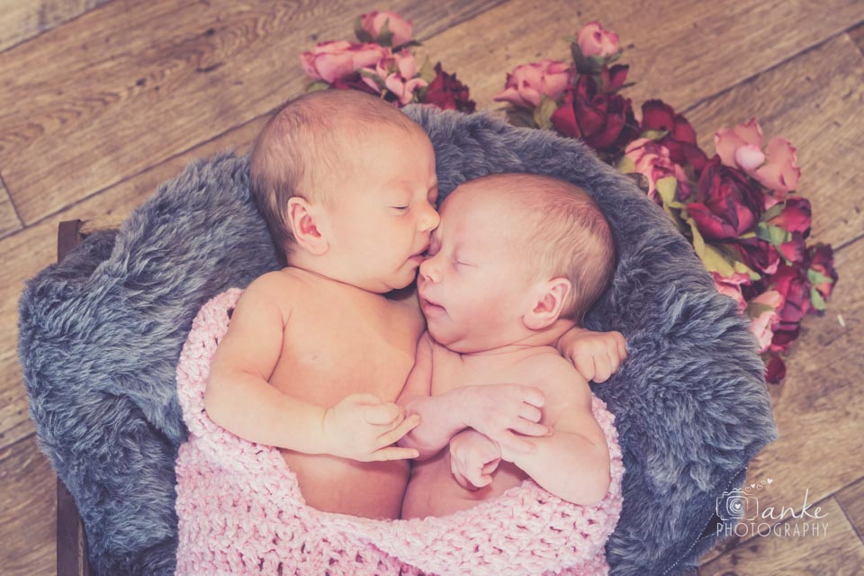 Emma & Lisa | Newborn Twins